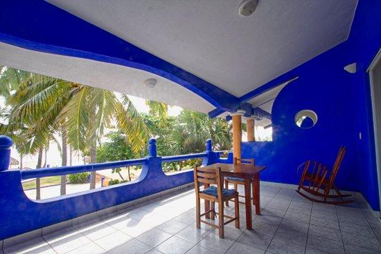 Mi Casa Es Su Casa: Balcon terraza