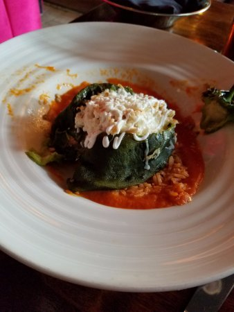 Sabor Cocina Mexicana: Chili Relleno De Pollo - highly recommend this dish