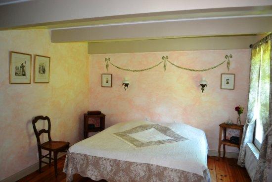Chambre d' hôtes de charme Le Moulin Saint Nicol : romantic room