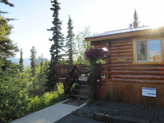 Tundra Rose Guest Cottages Photo