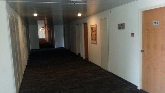Nof Tavor Hotel: Korytarz hotelowy na I piętrze