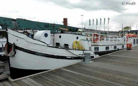 Hostelboat Anna Maria II