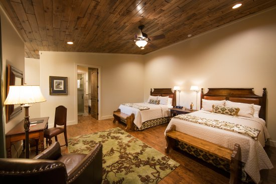 Joshua Creek Ranch: Branch Haus Creekside Rooms