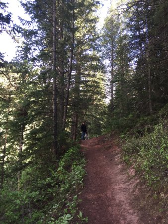Eagle, CO : Hike around lake