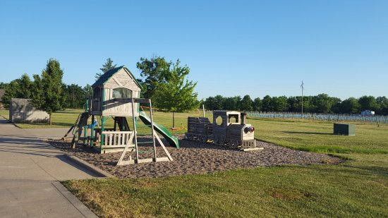 La Plata, MO: playground