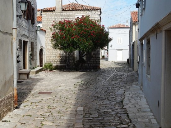 Lošinj Island, Croacia: Osor, whole old town is a museum
