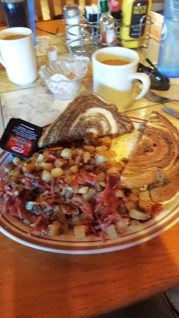 Stewartville, Миннесота: delicious homemade corned beef hash