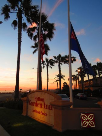 Hilton Garden Inn Carlsbad Beach: Sunset from the front of the hotel.