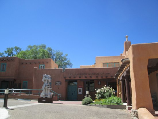 Harwood Museum of Art: Outside the museum