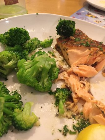 lighter fare salmon and broccoli - Picture of Olive Garden, Prescott ...