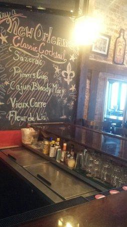 Kubi's Bar & Cafe