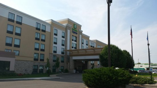 Holiday Inn Express Janesville - I-90 and US Highway 14: 20160613_165527_large.jpg