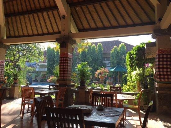 멘타리 사누르 호텔 사진