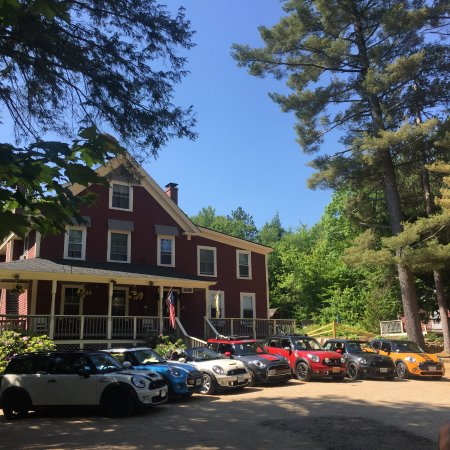Bartlett Inn: June 2016 MINIs on Top annual MINI Cooper Rally