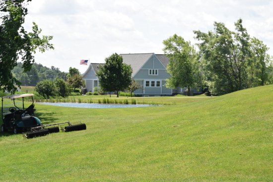 The Crown Golf Club: The Clubhouse.