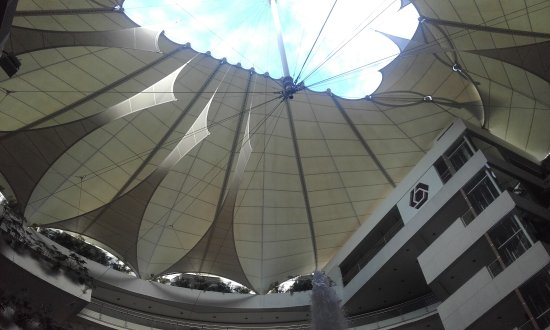 Bonito centro comercial
