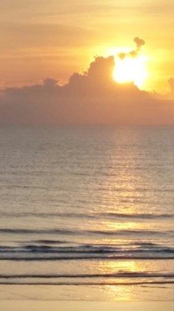 Sea Dip Beach Resort and Condominiums: 20160430_065341_HDR_large.jpg