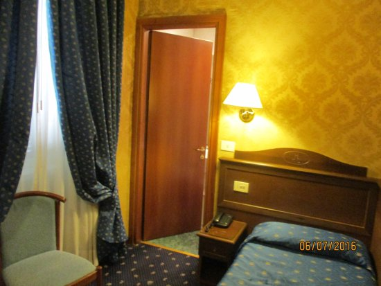 Montecarlo Hotel: Single Room