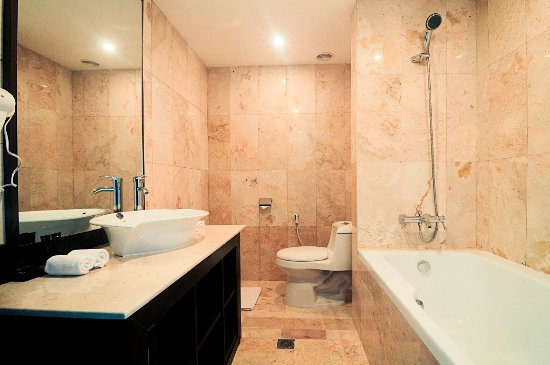 Junior Suite Bathroom Picture Of Grand Edge Hotel Semarang Tripadvisor