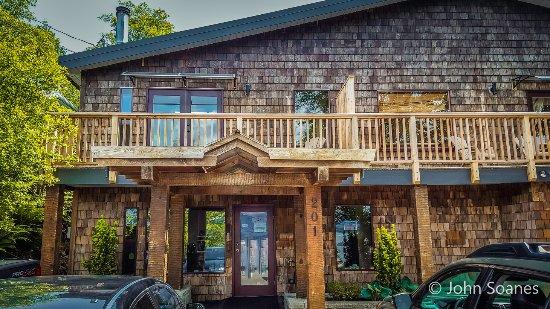 Cable Cove Inn