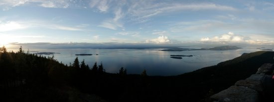 Moran State Park: Panoramic view from Mt Constitution