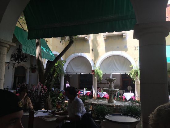 Hotel El Marques: photo2.jpg