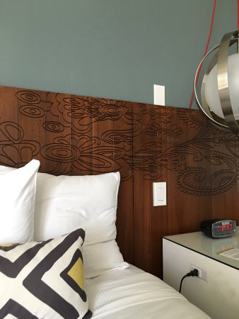 Paradise Point Resort & Spa: Room 111. Nicely updated decor.