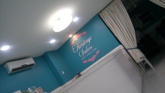 Castle Peak Hotel: Beauty Salon on the spot!