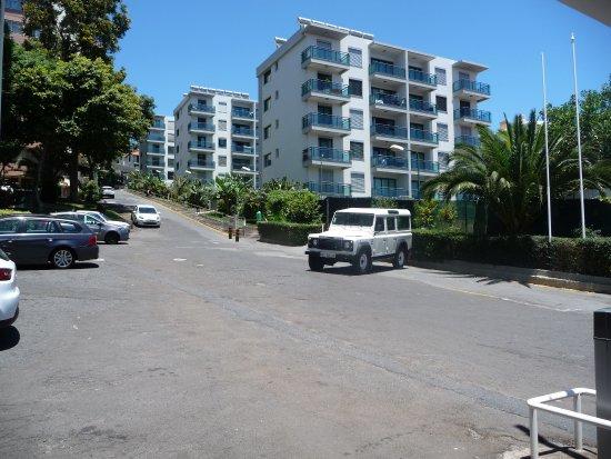 Dorisol Estrelicia: Route conduisant à l'hôtel...et ça monte bien je peux vous l'assurer..