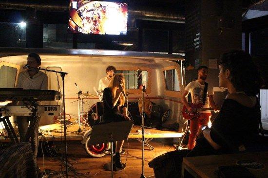 Garage Pub