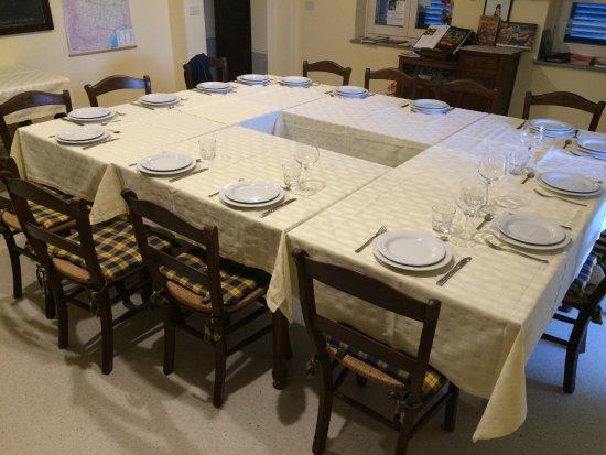 Monta, Italia: Spezielle Tischordnung für unserer Gruppe