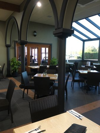 Cafe Borellas: Courtyard 2 is now weather proof