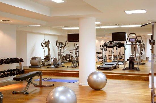 Atrium Hotel: Gym