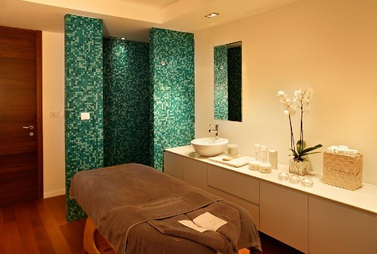 Atrium Hotel: Treatment room