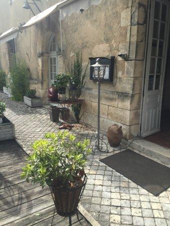 Chalais, Fransa: exterieur