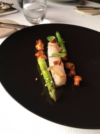 L'Assiette Champenoise: From the taster menu, John Dory, asparagus and mushrooms and flavour, lots of flavour.