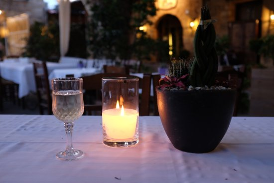 Romios Restaurant: Sweet white wine
