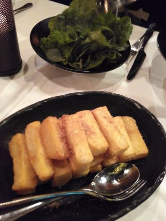 Flying Fish Restaurant & Bar: chips & salads