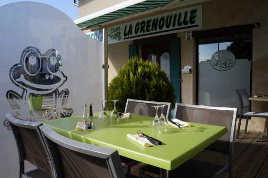 Auberge Chez Roger la grenouille : Photo de la terrasse