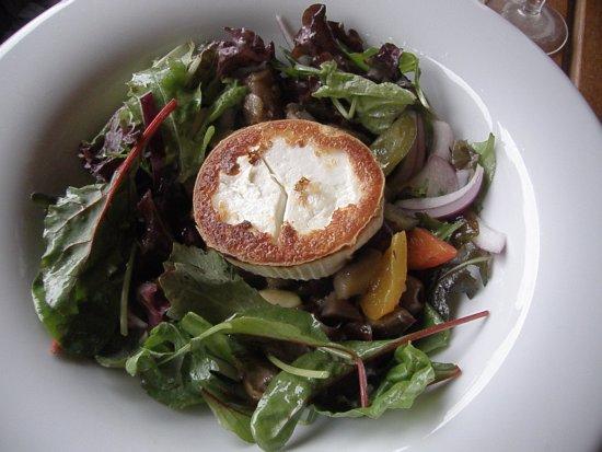 Harnham, UK: Goats Cheese Salad