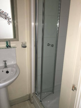 Grewelthorpe, UK: Shower in en-suite