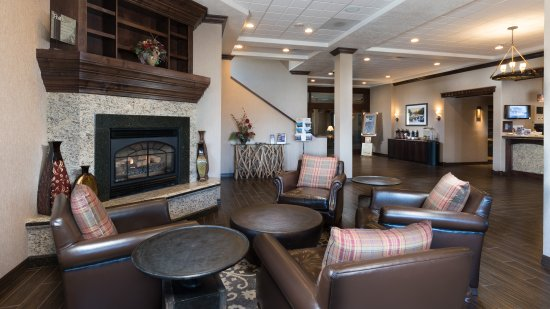Best Western Plus Flathead Lake Inn and Suites : Relax in our Lobby