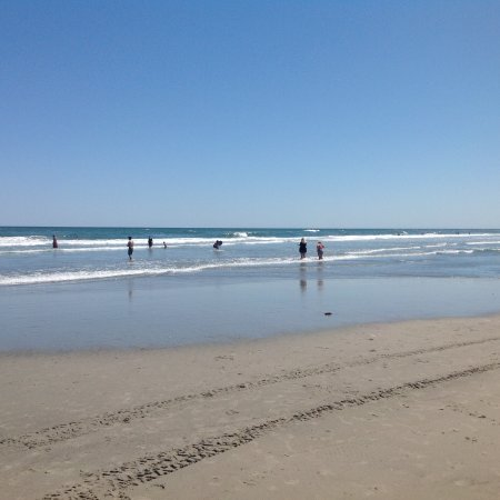 Aztec Resort Motel: Walk to beach and waves