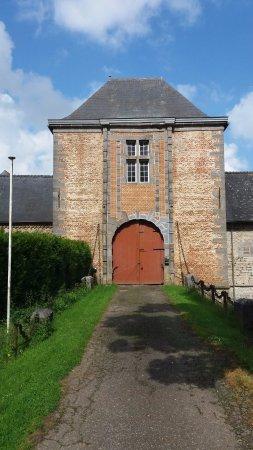 Chateau Ferme de Falaen: Porte d'entrée