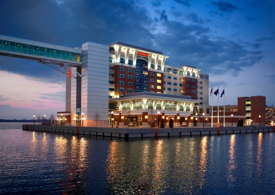 Sheraton Erie Bayfront Hotel: At night from the Marina