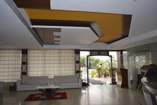 Silky Resorts: Reception