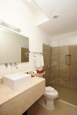 Hotel bambu suites 3 for Acabados para banos