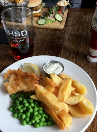 Cornish Heritage Safaris -  Tours: A nice pub lunch we had