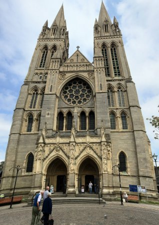 Cornish Heritage Safaris -  Tours: In Truro