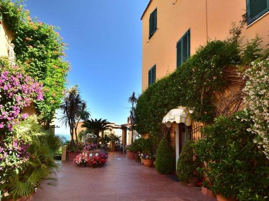 Hotel Pensione Monti
